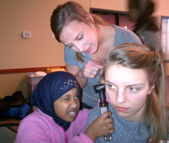 Learning to use otoscopes